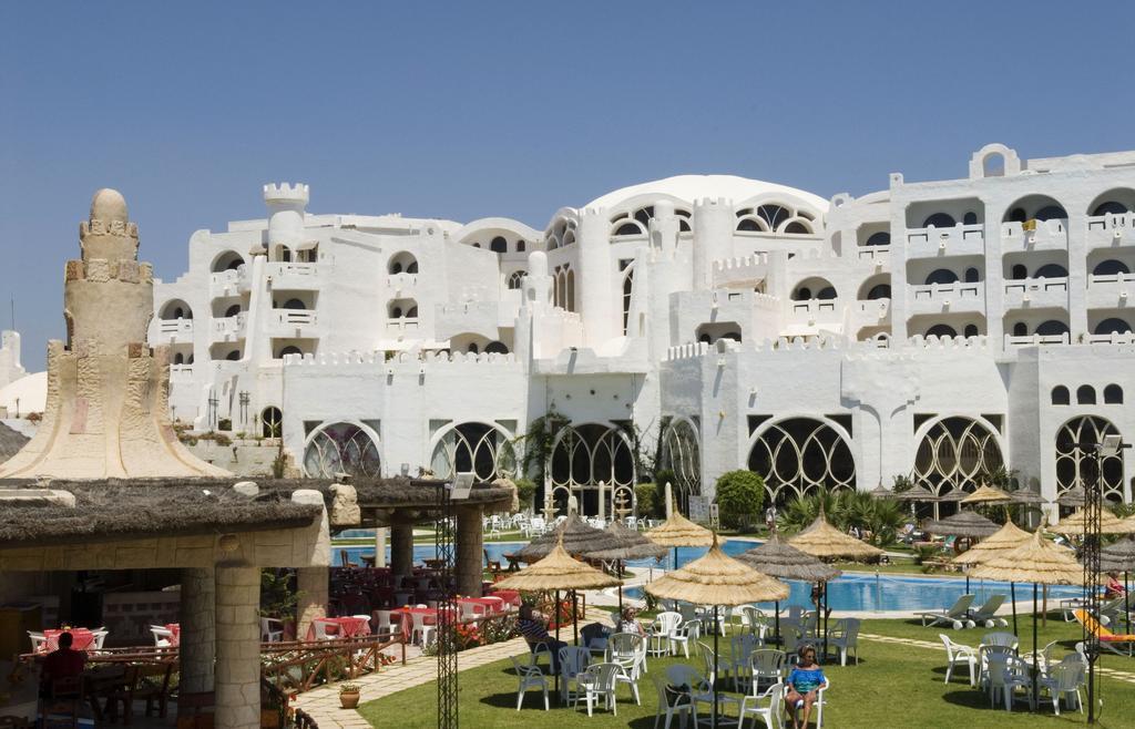 Lella Baya in Hammamet | loveholidays