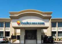 Comfort Inn and Suites Paramus NJ