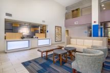 Holiday Inn Express Phoenix Airport