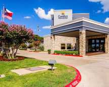 Comfort Inn and Suites East Plano