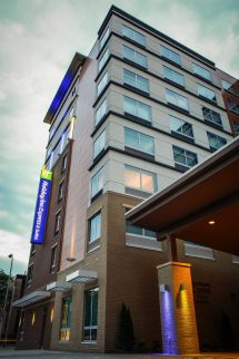 Holiday Inn Express & Suites Los Angeles Downtown West In