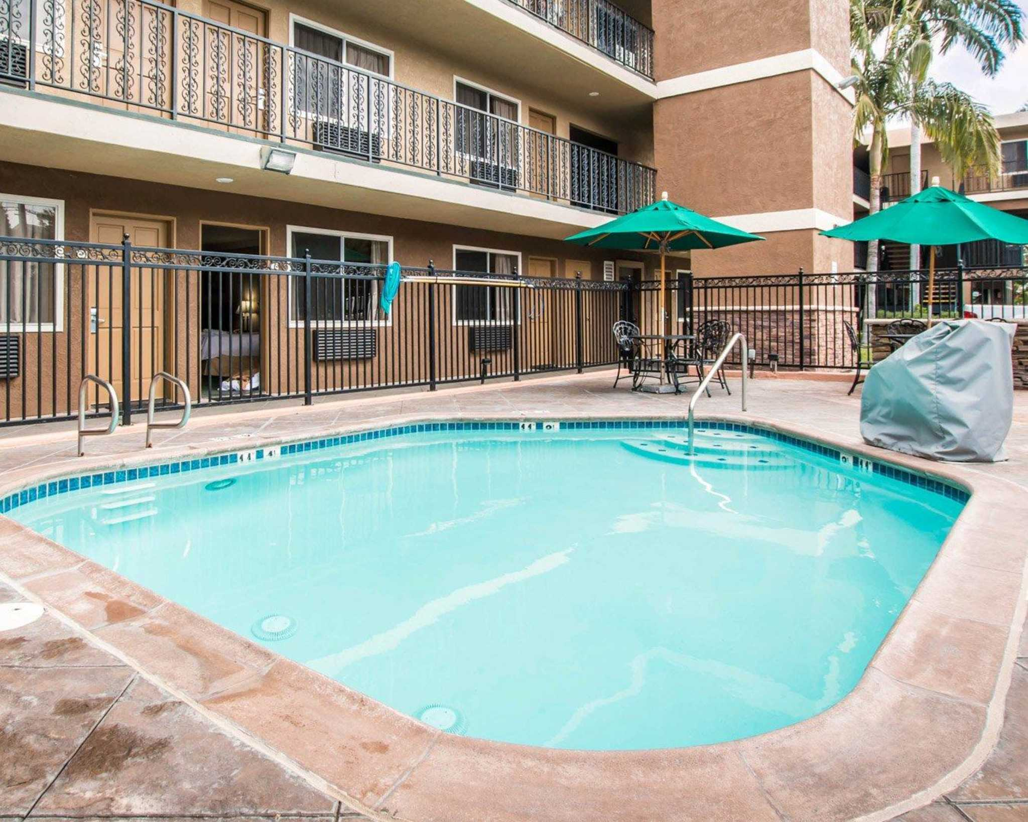 anaheim hotels with kitchen near disneyland remodeling ideas on a small budget hotel quality inn suites in ca