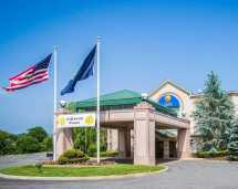 Comfort Inn and Suites Hawthorne NY