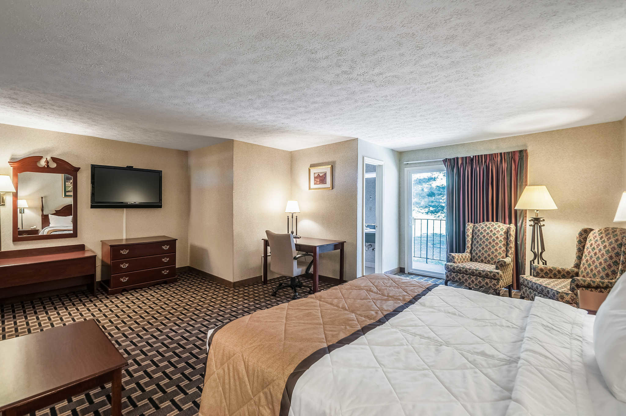 sofa farmers market san jose cheers living room furniture rodeway inn and suites coupons near me in charles town
