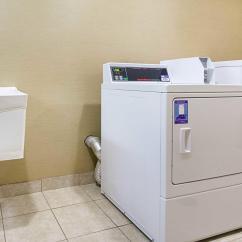 Krause Sleeper Sofa Dan Howell Crease Comfort Inn And Suites In Hutchinson Ks 67501