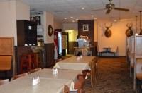 Hunt's Seafood Restaurant & Oyster Bar in Dothan, AL