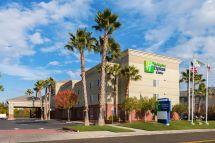 Holiday Inn Express & Suites Va Beach Oceanfront In