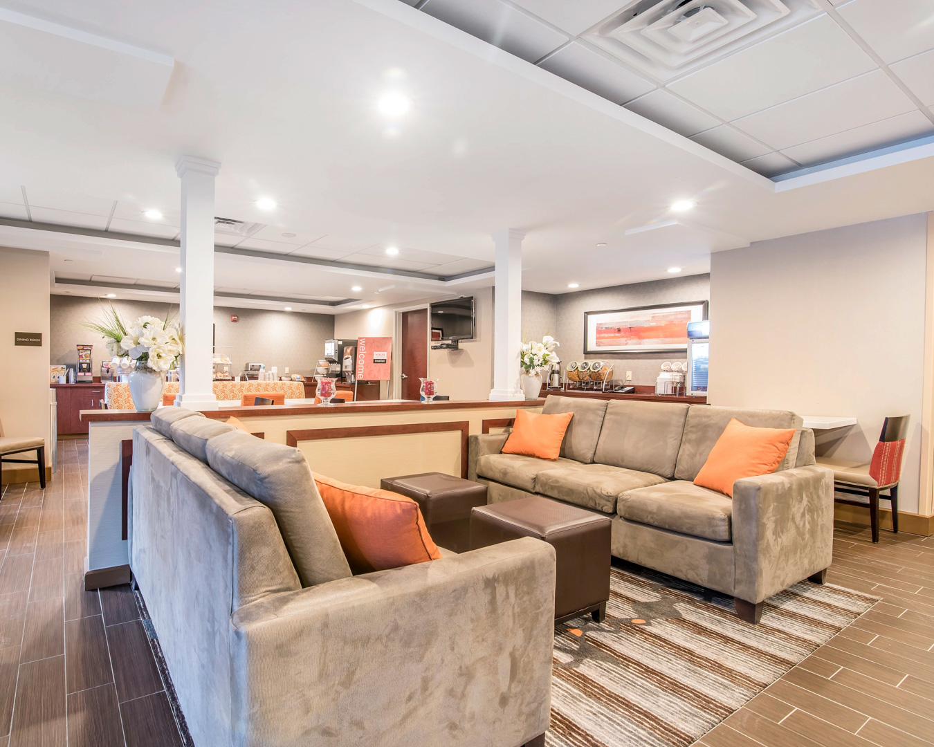 sofa farmers market san jose 8 way hand tied online comfort inn and suites in brattleboro vt whitepages