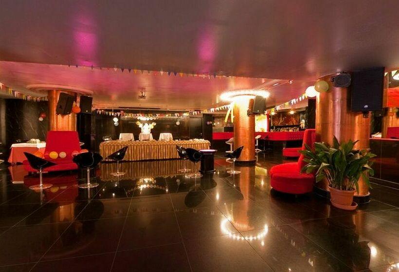 Hotel Los Angeles en Granada desde 28   Destinia