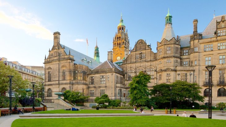 Historical Pictures: View Images of Sheffield Town Hall