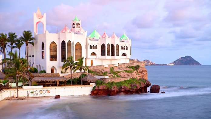 Fotos de Arquitectura moderna: Ver imágenes de Mazatlán