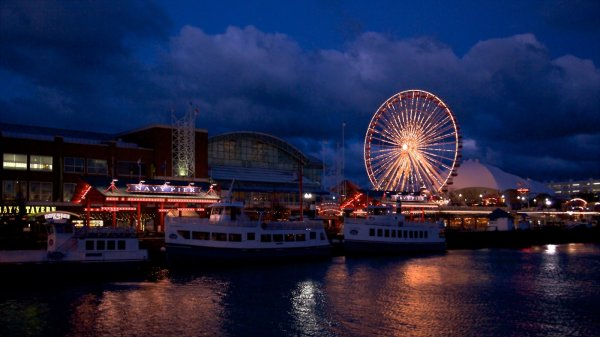 Chicago Navy Pier View & Of