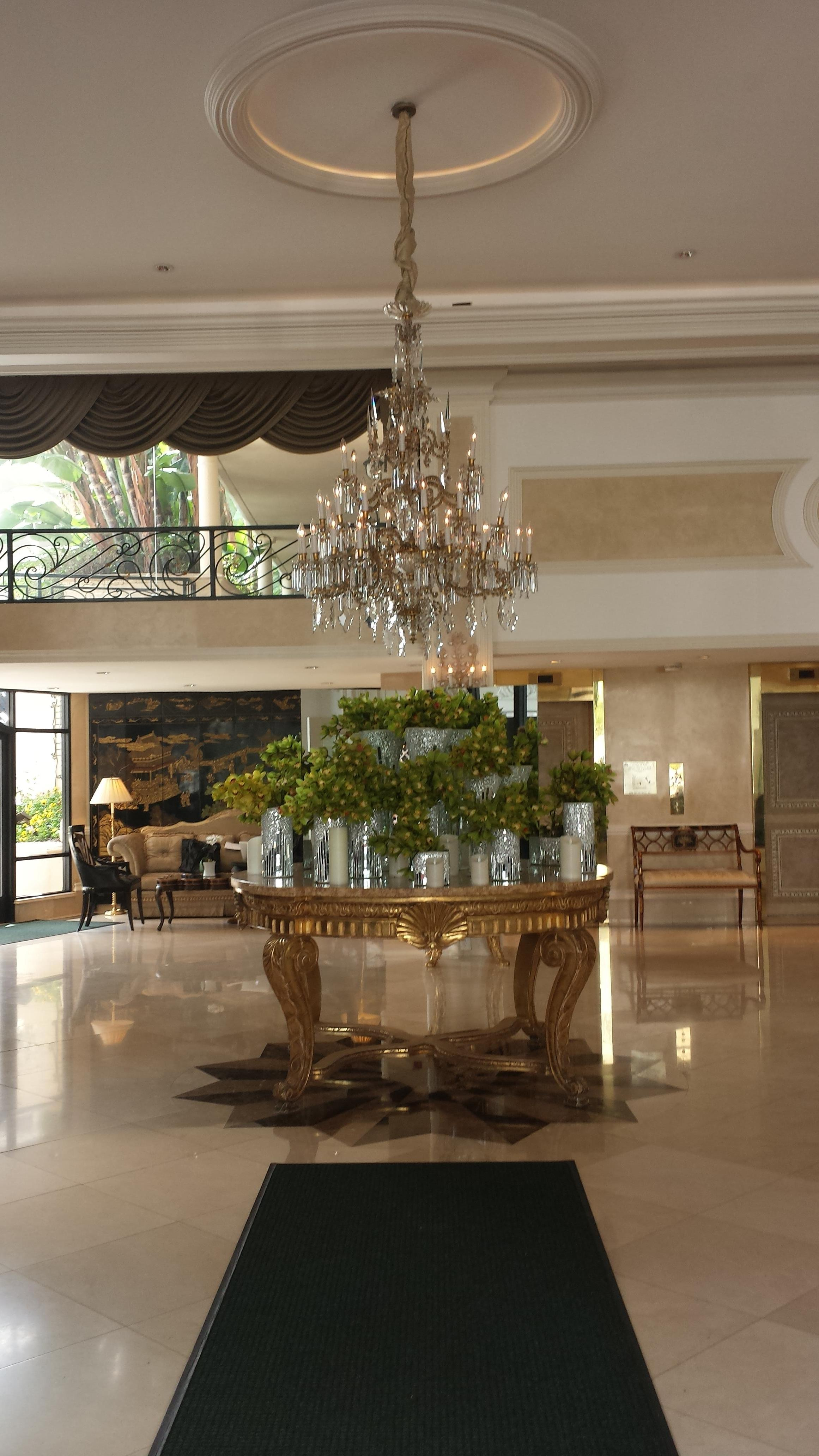 Beverly Hills Plaza Hotel & Spa In Los Angeles
