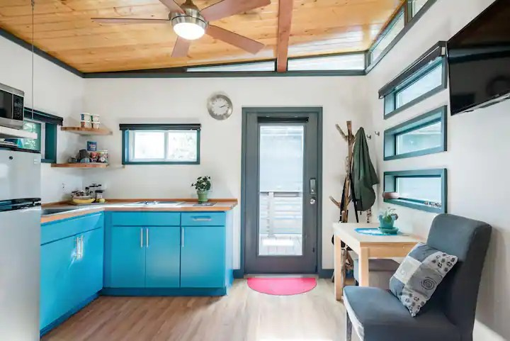 Tiny House In The Heart Of The East Side Guesthouses For