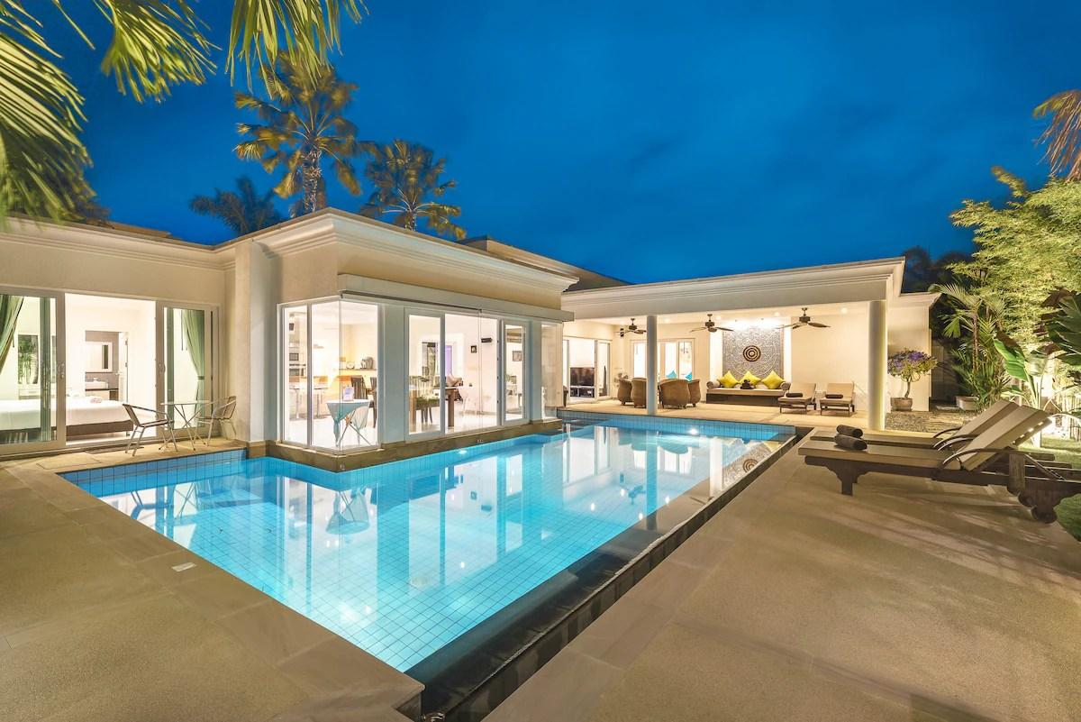 Luxury Pool Villa 52 4 Br 8 10 Persons Villas For Rent