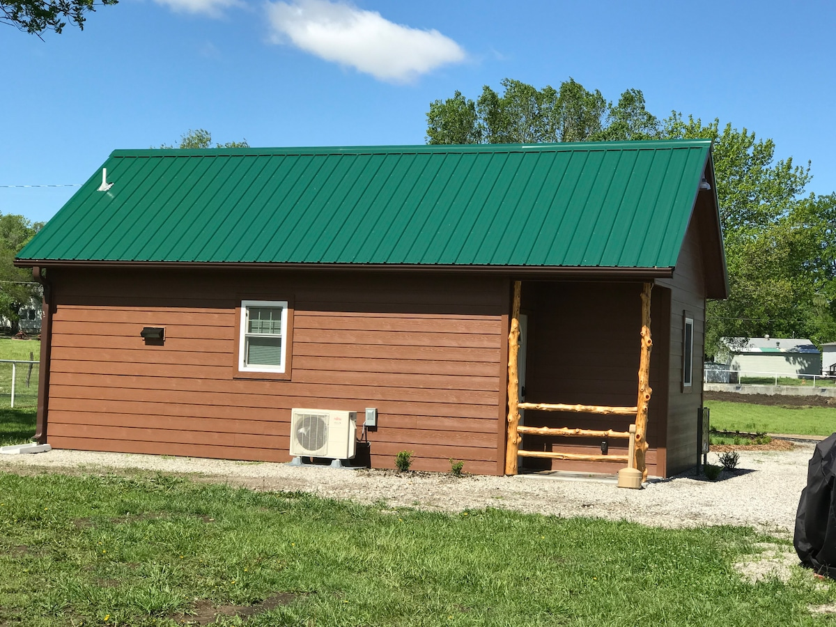 Buck S Cabins Deer Run Tiny Houses For Rent In Howard