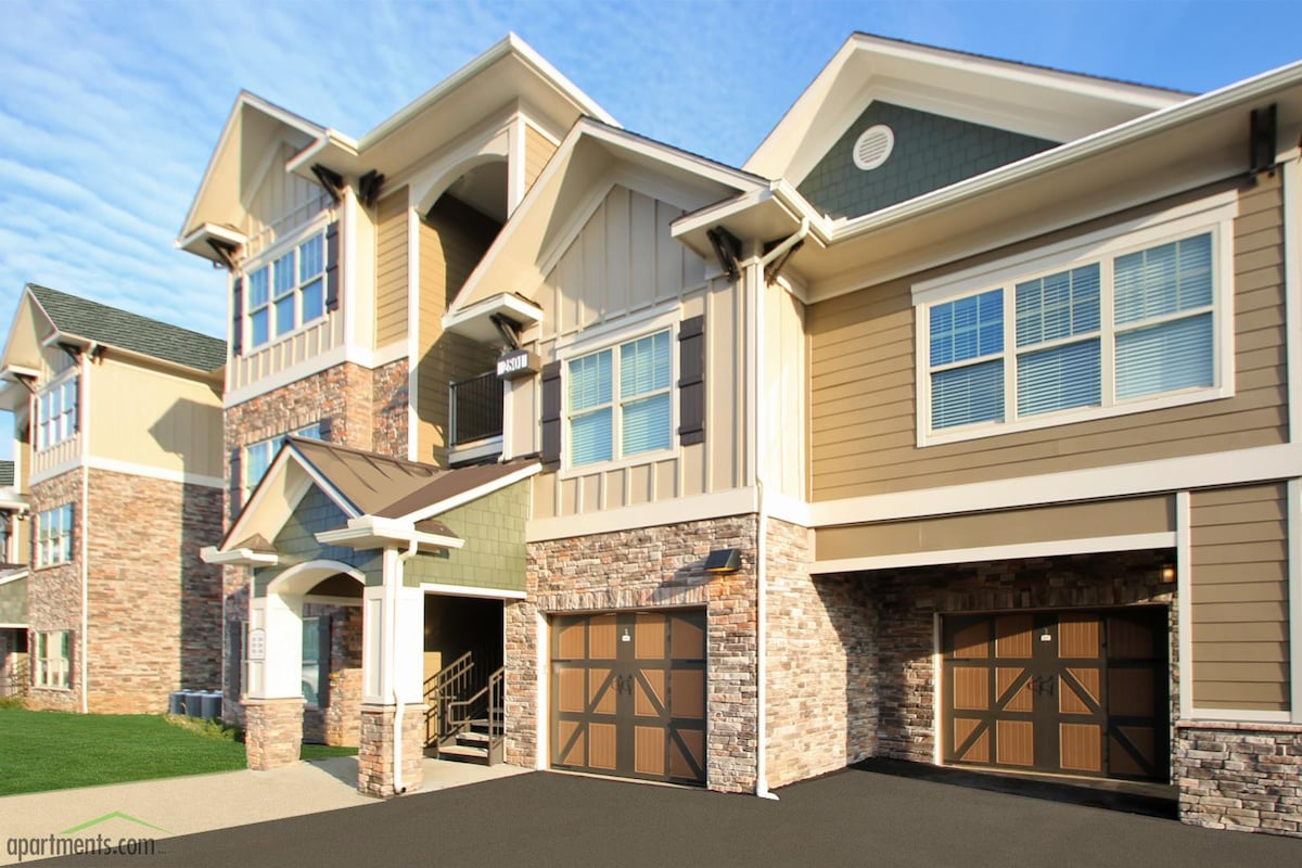 Beautiful Gated Community  Apartments for Rent in Louisville Kentucky United States