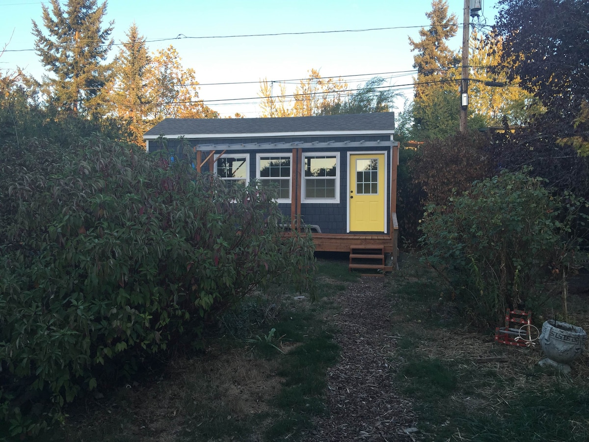 S Eugene Tiny House 1 Mi From Uo Guesthouses For Rent