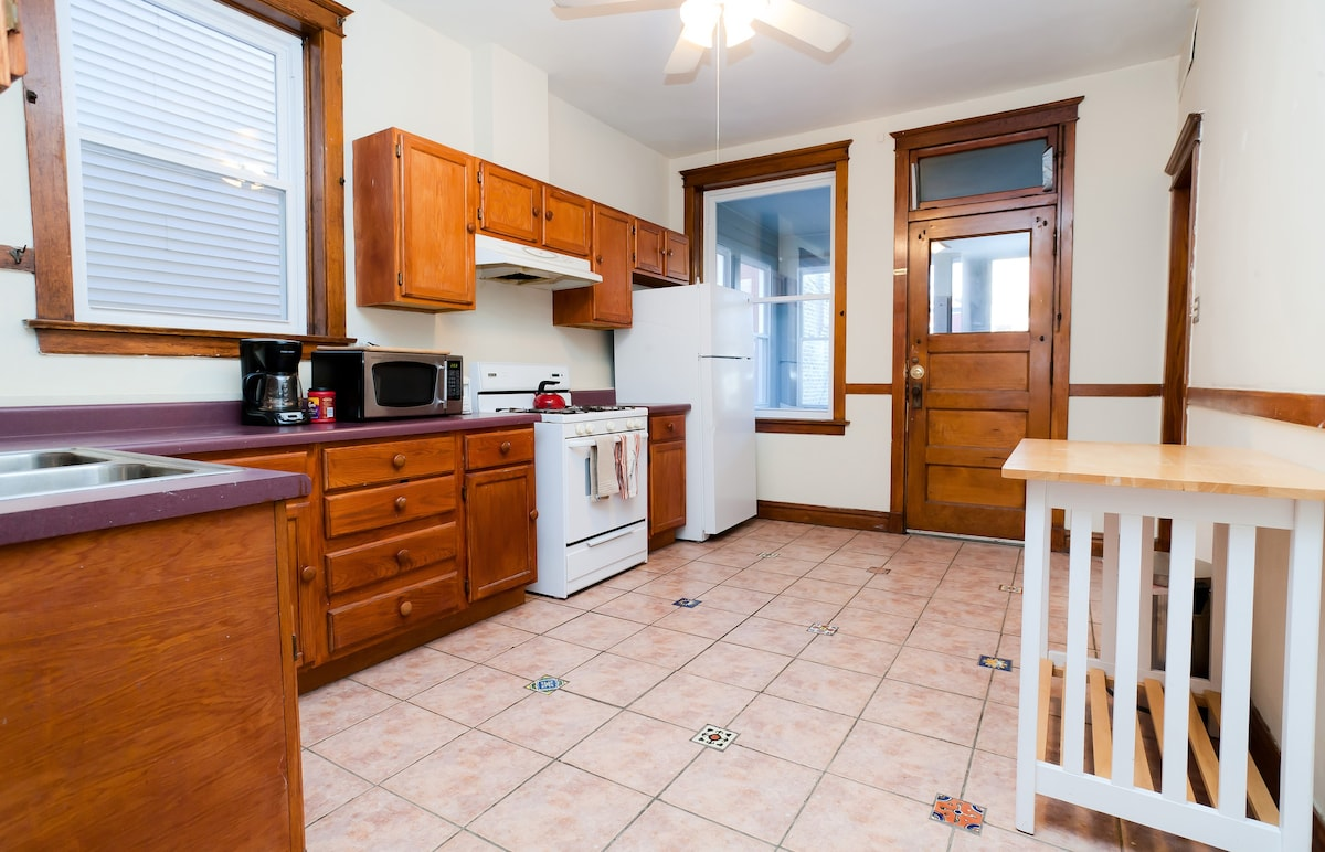 Large Private 3 Bedroom Apartment Apartments For Rent In
