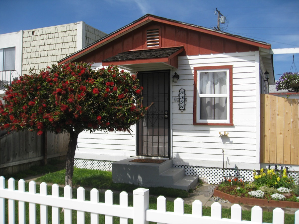 Charming Ocean Beach Cottage  Houses For Rent In San