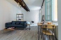 Hip open plan apt with balcony in the old town ...