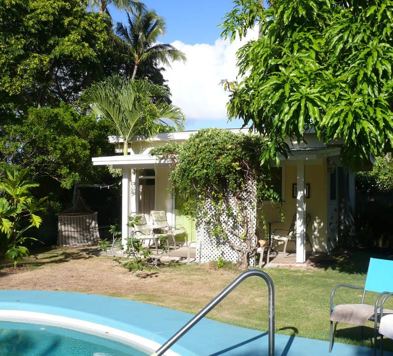 tropical garden cottage - bungalows