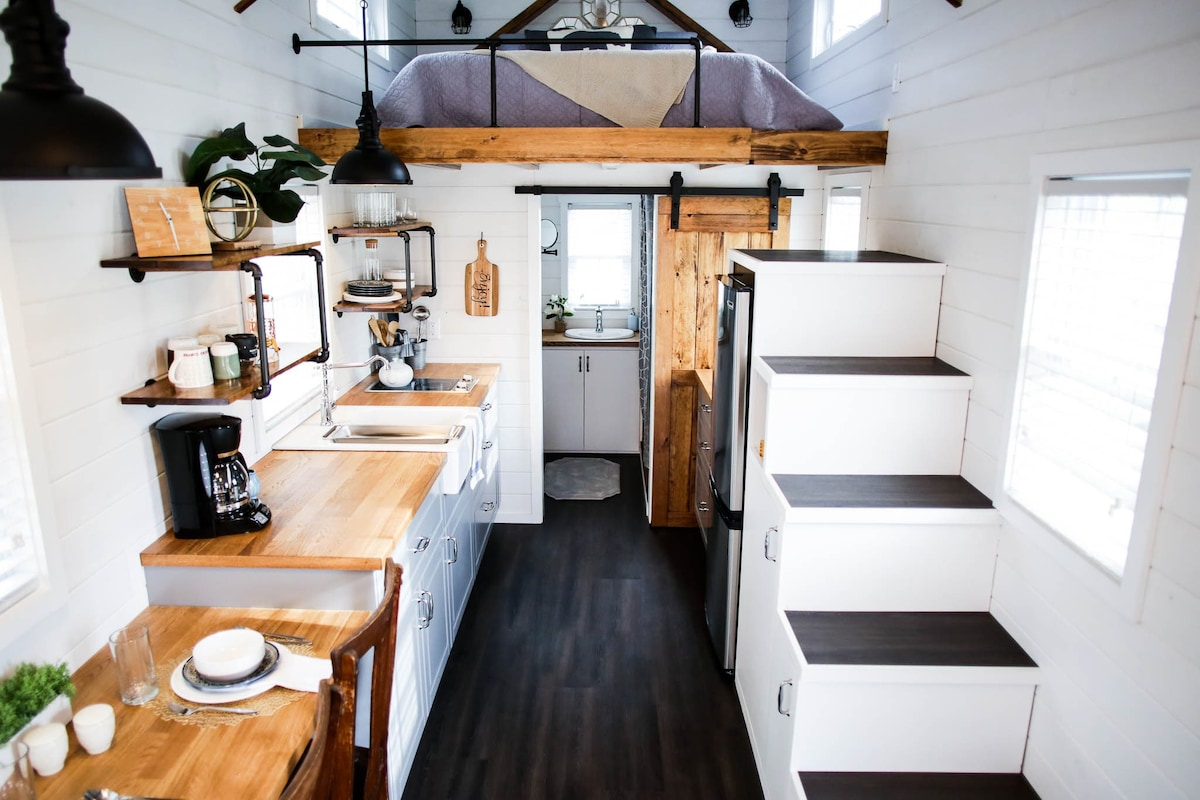Cozy Tiny House On Beautiful Farmland Apartments For