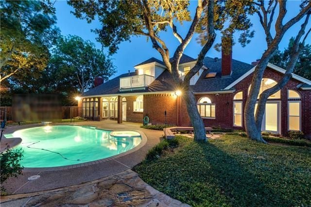 relaxing pool home central dallas