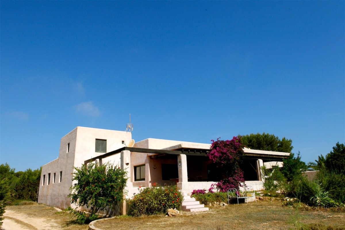 Casa rosada  Cottage in affitto a Sant Ferran de ses Roques Isole Baleari Spagna