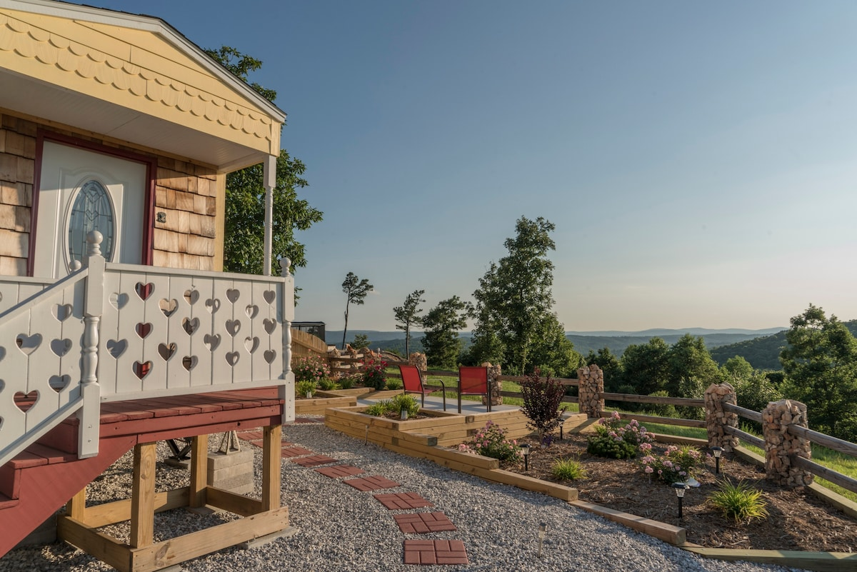Tiny House On The Mountaintop Tiny Houses For Rent In