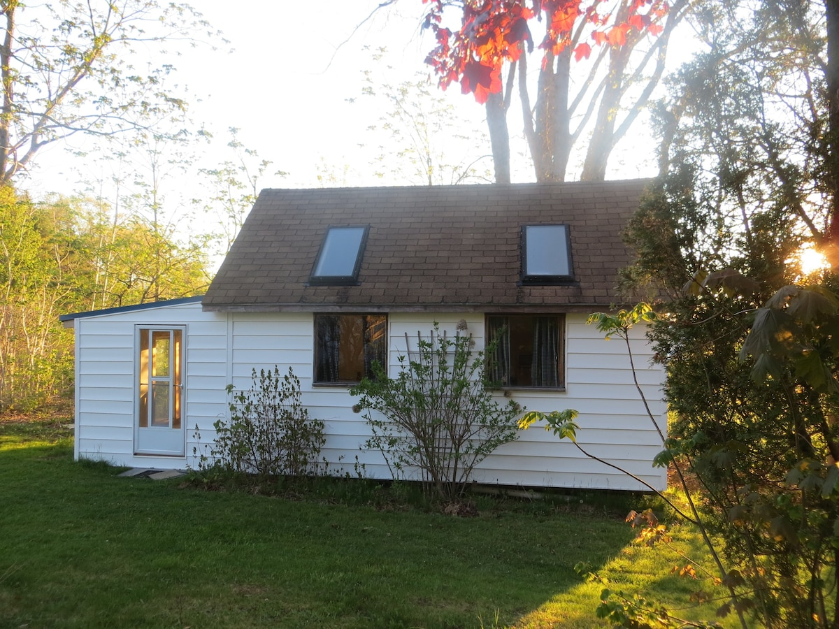 Blueberry Hill Cottage Tiny Houses For Rent In