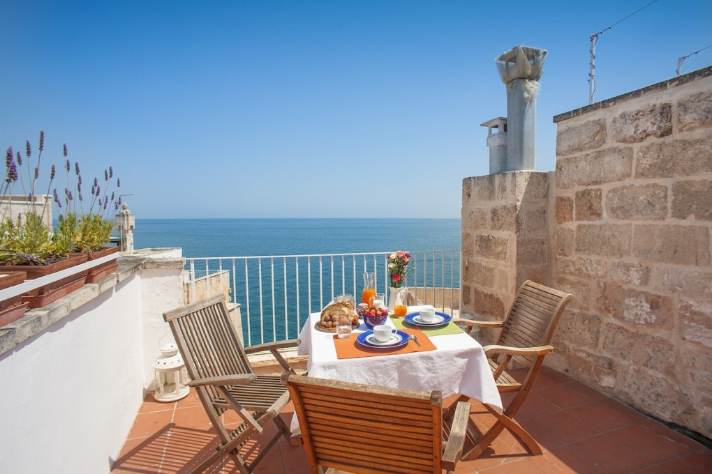 Apartment with a view in Polignano a Mare - Accommodations in Puglia Italy