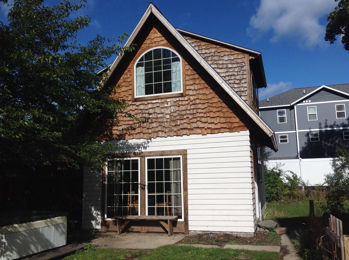 Airbnb Traverse City Vacation Rentals Places To