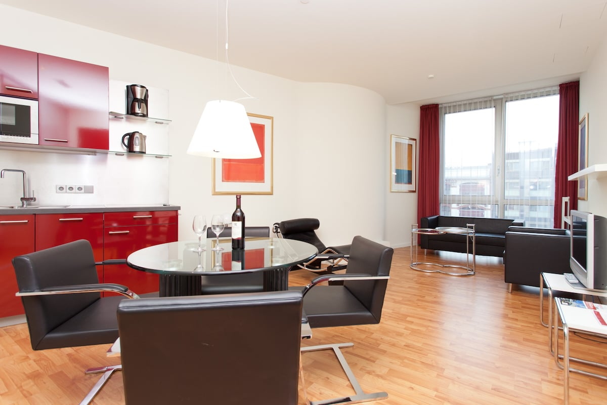2 Raum Wohnung am Kurfürstendamm - Apartments for Rent in Berlin, Berlin, Germany