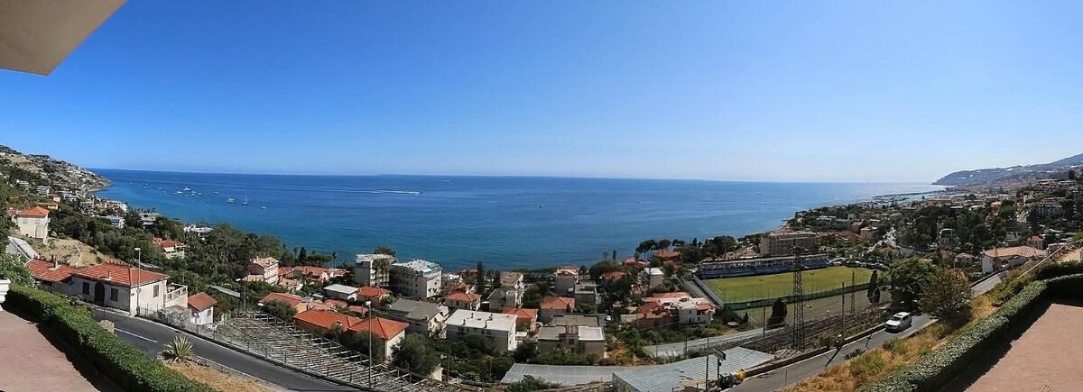 Moderno e tranquillo trilocale con vista mare  Appartamenti in affitto a Sanremo Liguria Italia