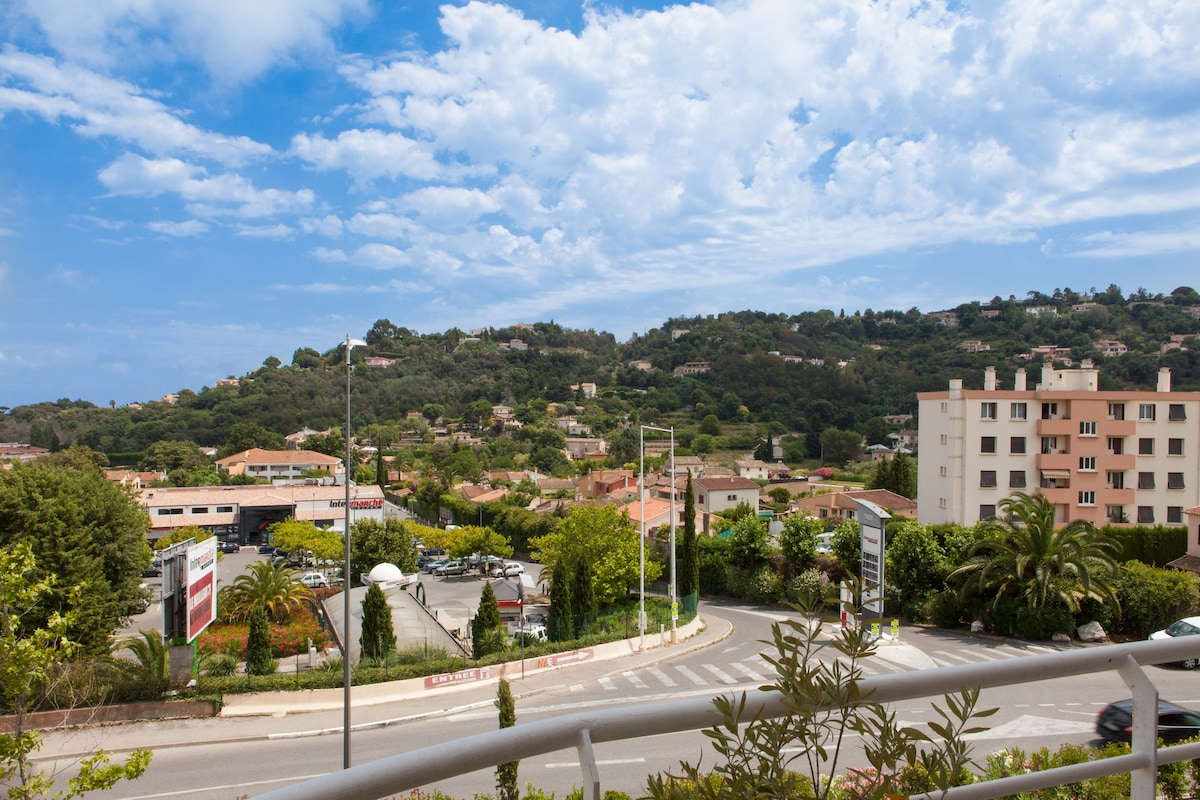 Super2p Moderne Terrasse 5mn Cannes Appartements Louer