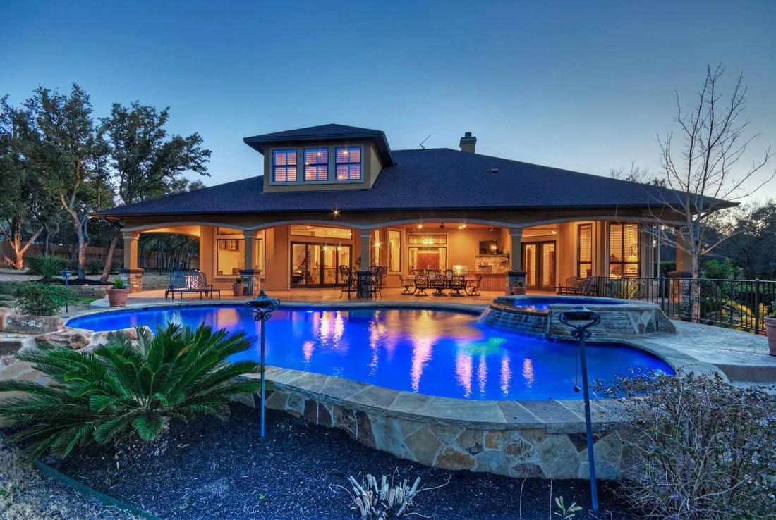 4br 4ba luxury lake house pool