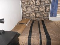Comfortable bedroom for singles or couples. - Apartments ...