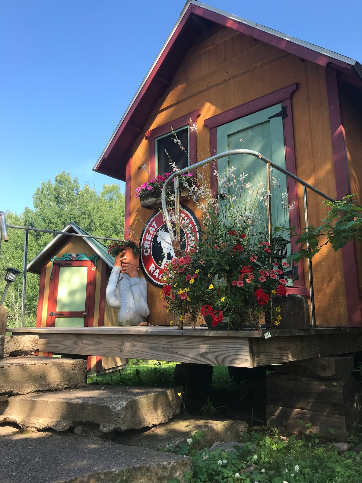 Lucky Buck Tiny House Guesthouses For Rent In Duluth