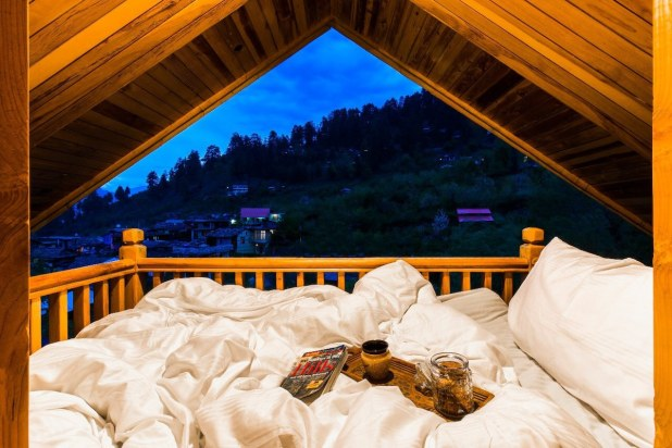 Naggarville (Premium Mountain View Room) - Nature lodges for Rent in  Naggar, Himachal Pradesh, India