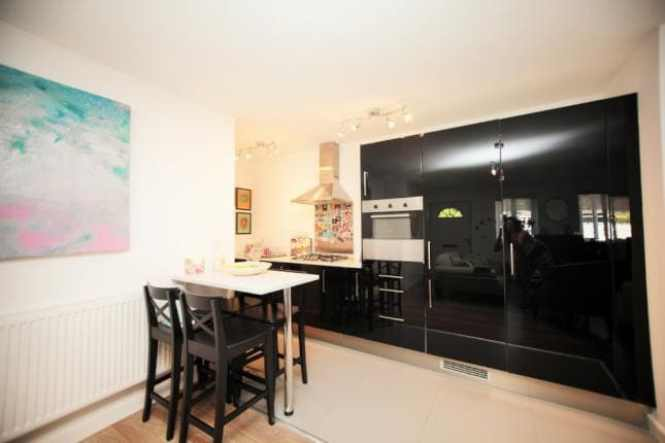 Luxe London Entire Apartment W Parking