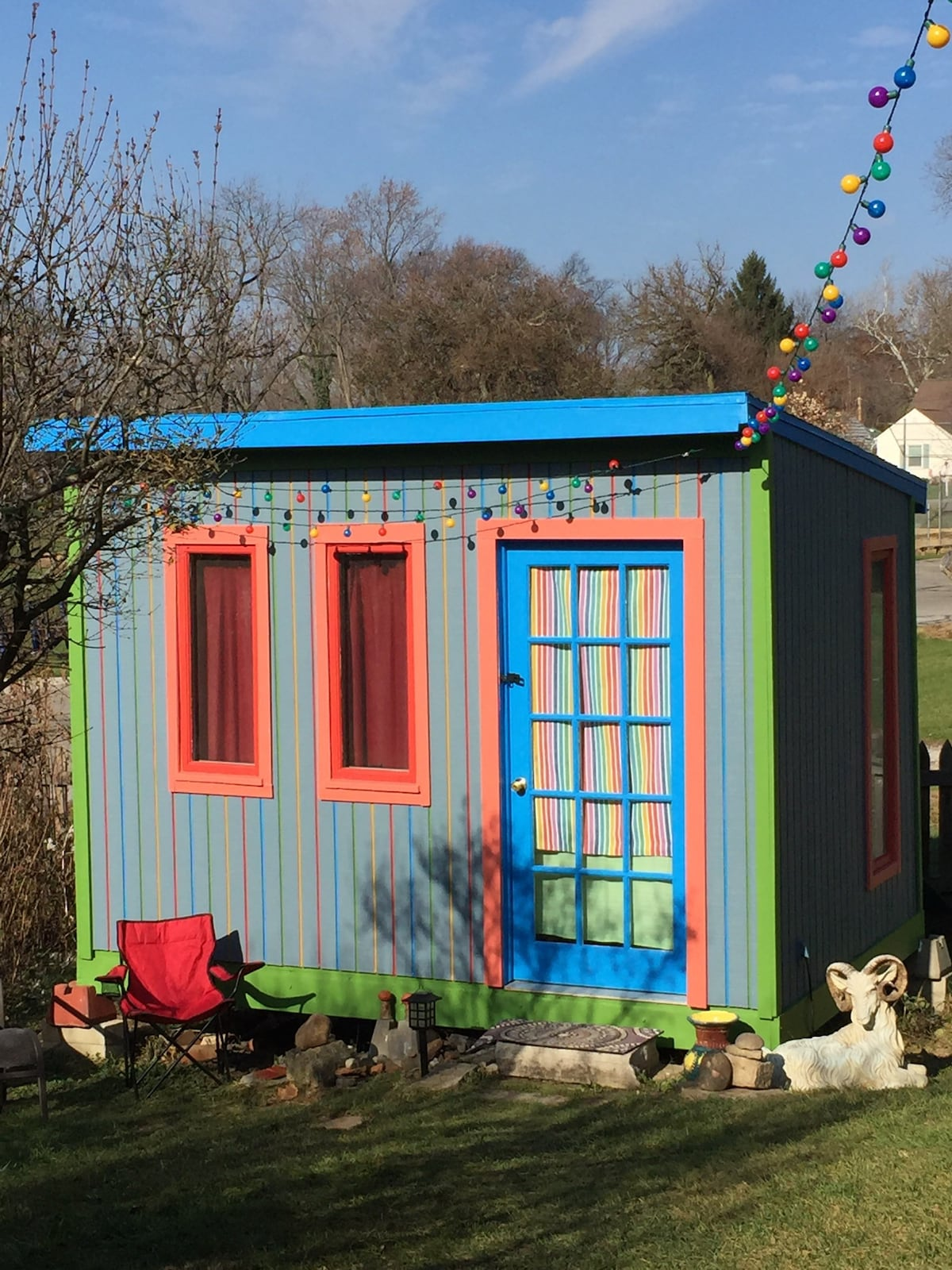 Tiny House Rainbow Bungalow Bungalows For Rent In