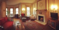 Room in Dupont Circle Brownstone Mansion