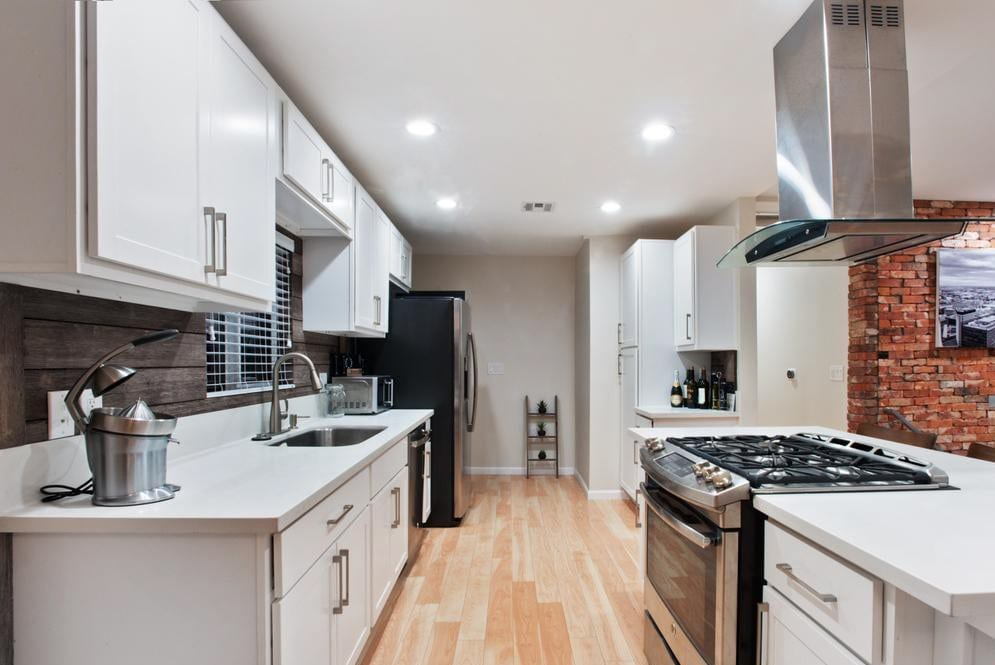 Start your free search for 3 bedroom houses today. Nice View Modern 3 Bedroom 2 Bath Home Houses For Rent In Los Angeles California United States