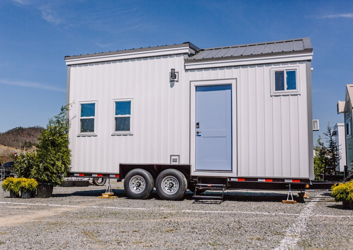 Wink Tiny House In Indianapolis At Lucas Oil Tiny