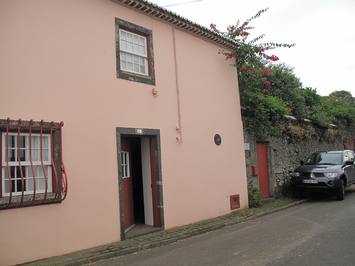 Quinta dos Carvalhos  Casa Rosa  Houses for Rent in