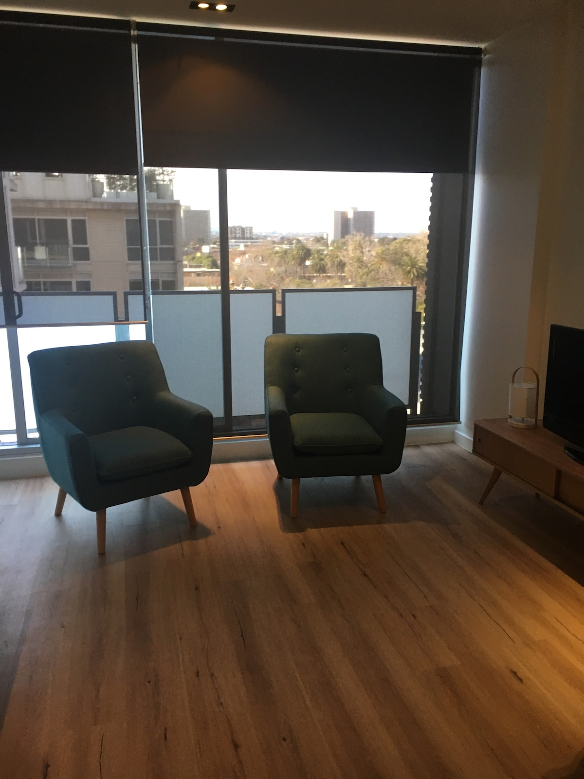 chrome kitchen chairs aid 6qt bella's space - apartments for rent in east melbourne ...