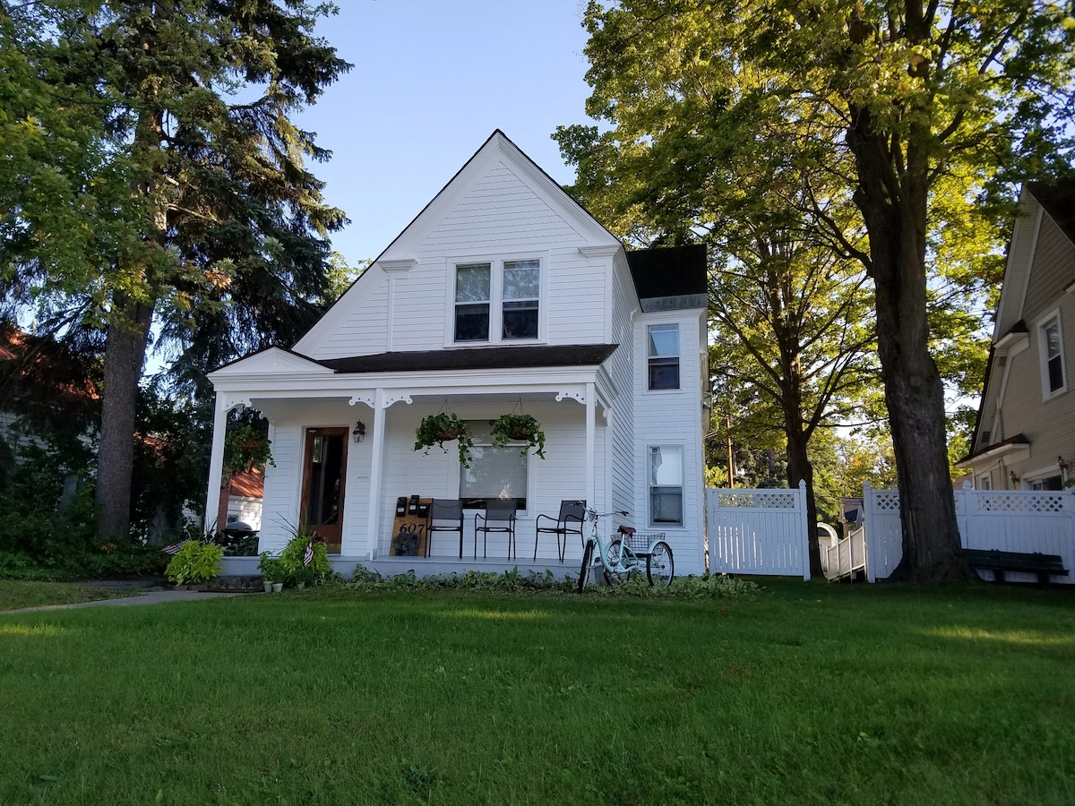 Airbnb Traverse City Vacation Rentals Places To Stay