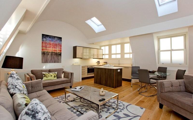 Modern Luxury Living in a Kensington Residence, London, UK
