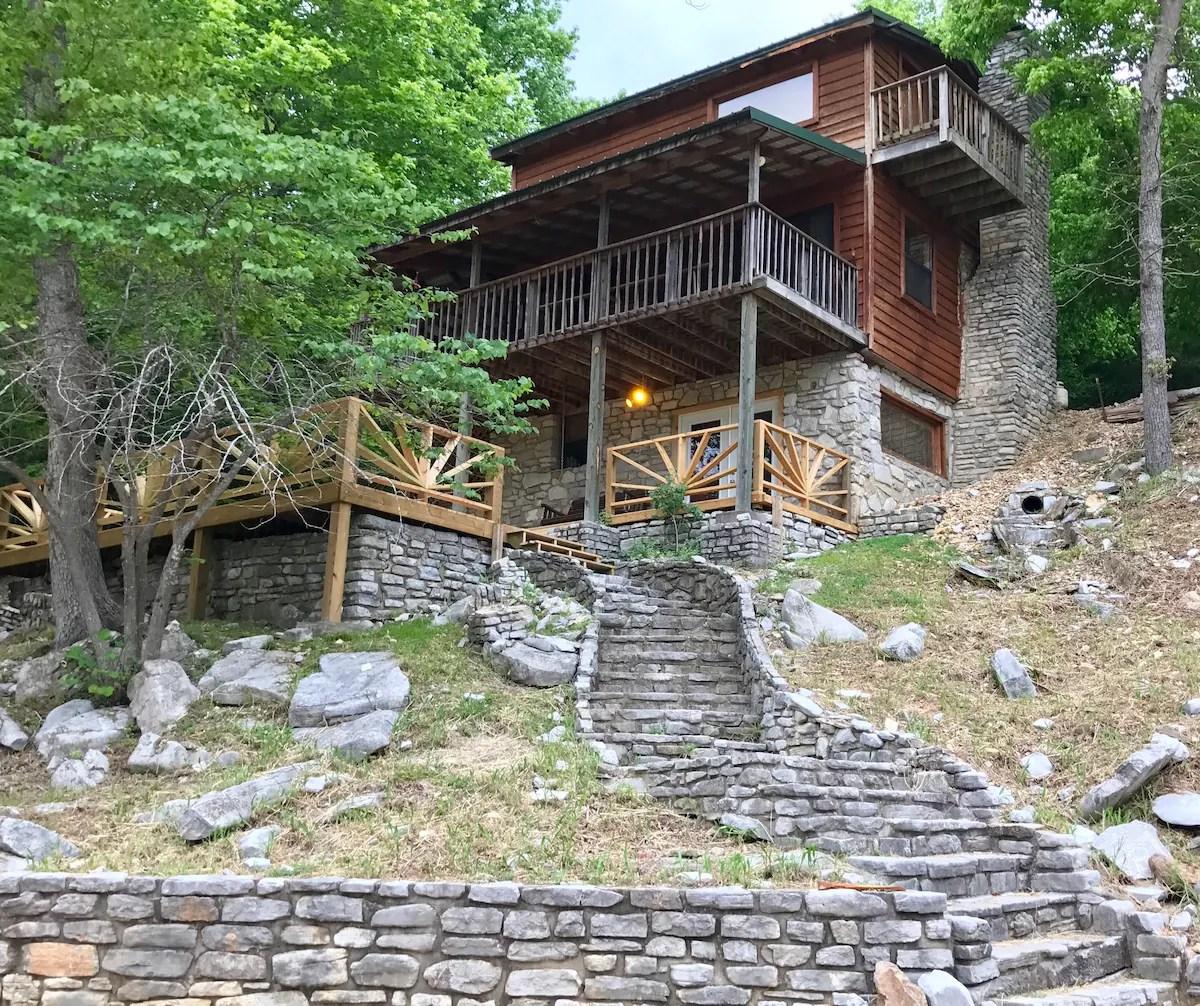 SobesUponSylamore Creek Cabin  Cabins for Rent in